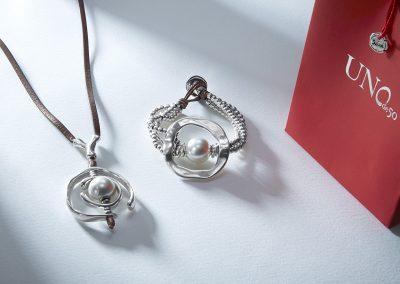 Aaaaaauuuuuhhhhh....!! (pendant) with De Perlas (bracelet)