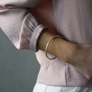 tutti & co simple gold bangle